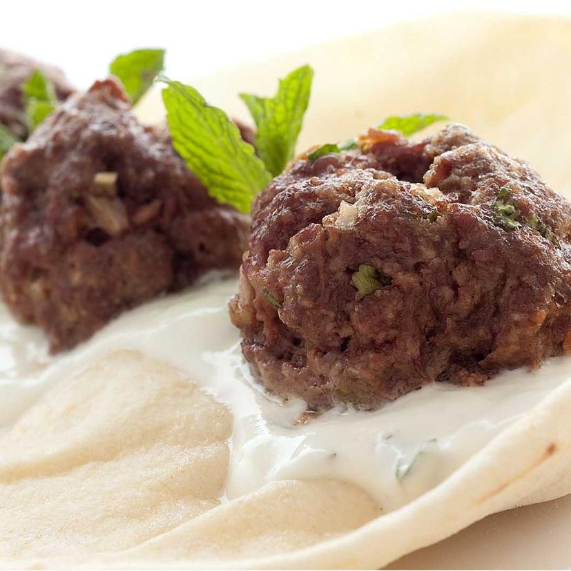 boulettes à la grecque en mini pita avec tzatziki